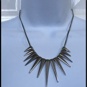 SILVER TONE SPIKY NECKLACE
